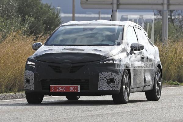 Nieuwe Renault Clio rijdt weer in de kijker