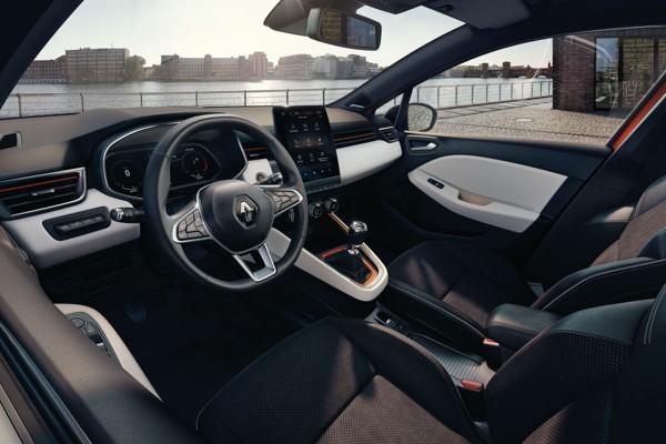 Nieuwe Renault Clio toont interieur