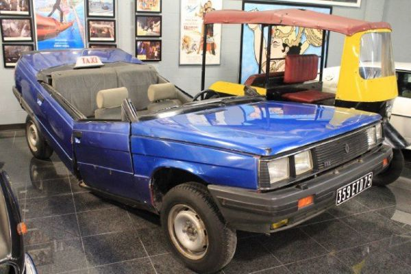 Renault 11 James Bond te koop