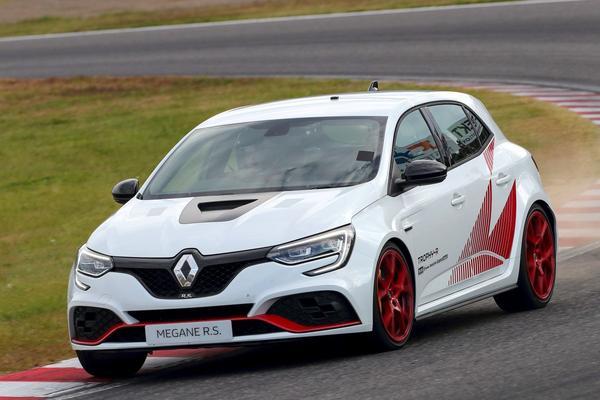 Renault Mégane R.S. Trophy-R vestigt record op Suzuka