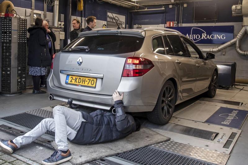 Renault Laguna Estate 2.0 dCi GT - Op de Rollenbank