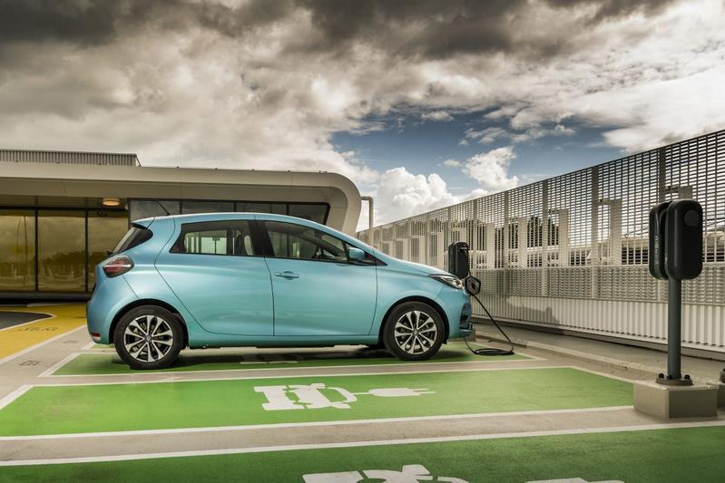 'Renault denkt toch weer aan verwisselbare accu's'
